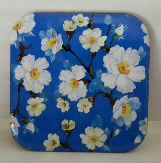 Metal Bardak Altlığı - arkası mantarlı ( Mavi Beyaz Çiçekler ) resmi