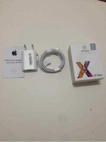 Iphone xs max şarj aleti resmi