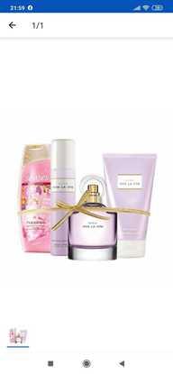 Avon Viva la Vita kadın parfüm seti resmi