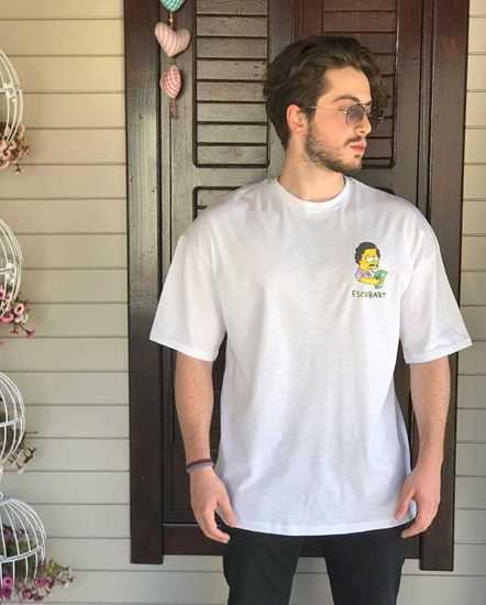 Escobart T-shirt resmi