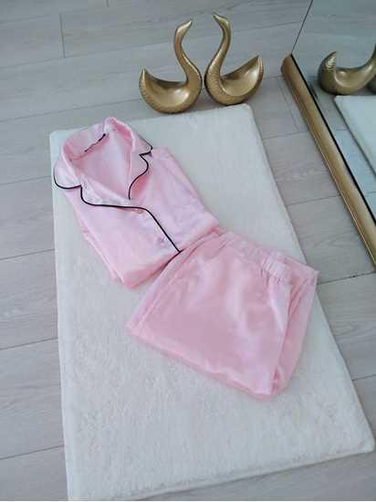 Picture of Pembe saten pijama takımı