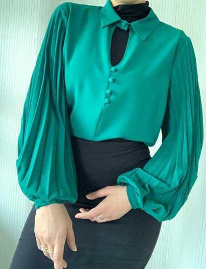 zümrüt yeşil pileli bluz resmi