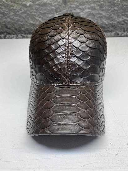 Picture of yılan derisi şapka