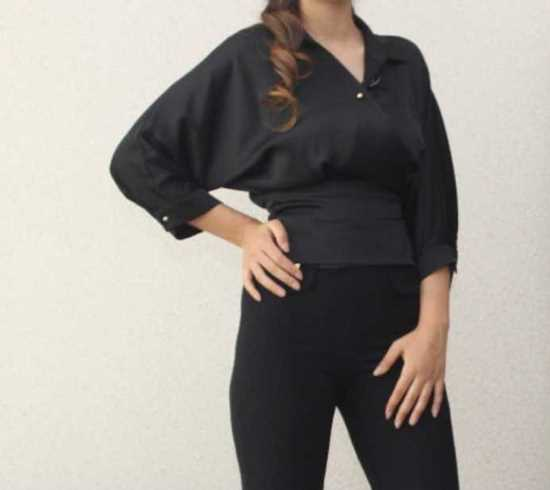 Picture of beli bağcıklı siyah bluz